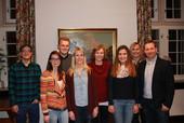 Sebastian Schallau (rechts) mit Vertreterinnen und Vertretern der komba jugend hamm. (Foto: © komba ortsverband hamm)