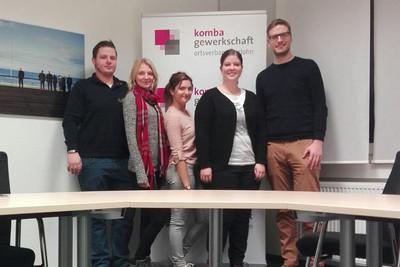 Das Team der komba jugend iserlohn (v.l.n.r.): Dominik Ihlbrock, Jana Lechtonen, Sophia Posselt, Melanie Meyer mit LJL-Mitglied Markus Schedding (r.). (Foto: © komba jugend iserlohn)